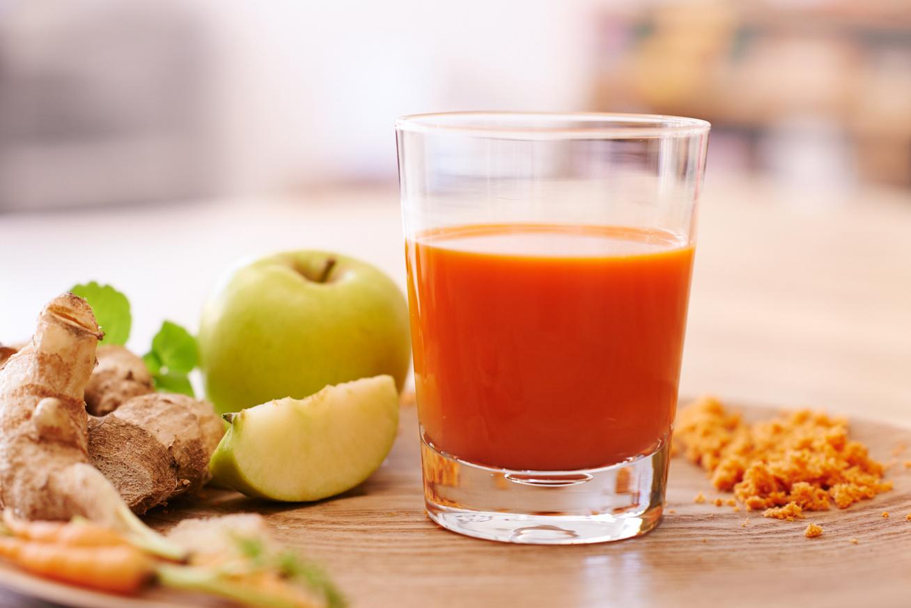 Zsírbontó tavaszi ital kurkumával: segíti a méregtelenítést, és felgyorsítja a fogyást