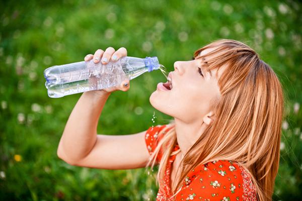 fogyás és folyadékbevitel 30 font fogyás 6 hónap alatt