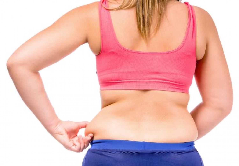 12 nyújtó gyakorlat, amivel otthon is hatékonyan égetheted a zsírt