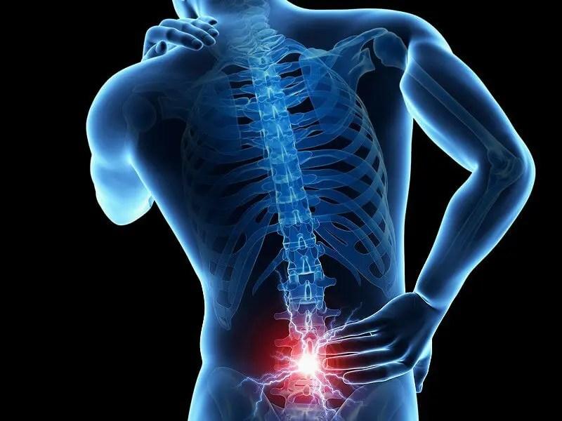 Derékfájdalom esetén mikor forduljunk szakorvoshoz?